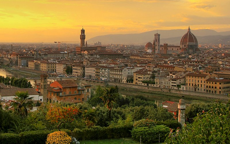 Visit Florence by train - All train tickets and rail passes