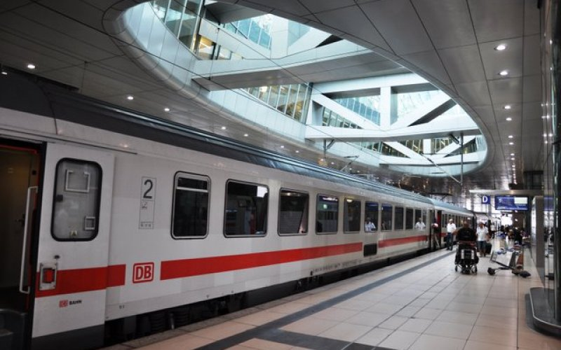Trains to & from Frankfurt Airport | Buy Train Tickets ...