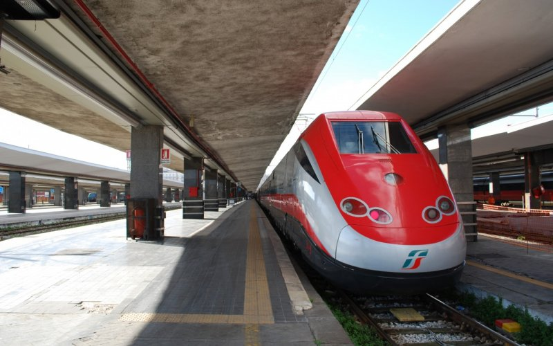 Trains in Italy - Travel on the Frecciarossa trains - All train tickets and rail passes