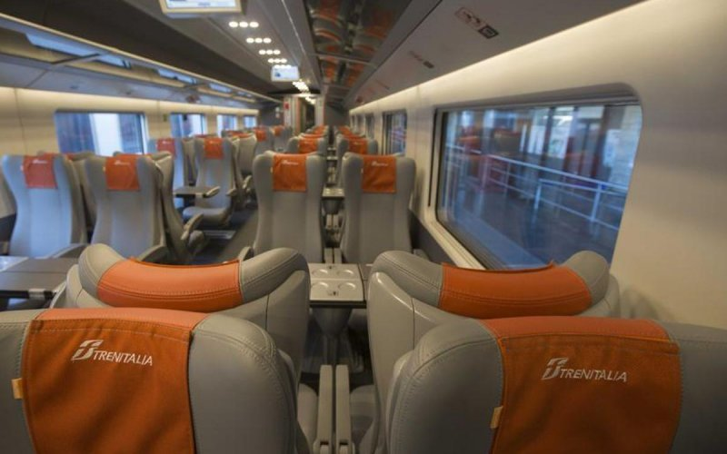 Train Reservations in Italy | All Reservations & Passes | 2nd class interior Frecciarossa