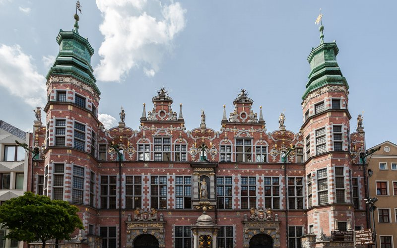 Trains to & from Gdansk | Gdansk local architecture
