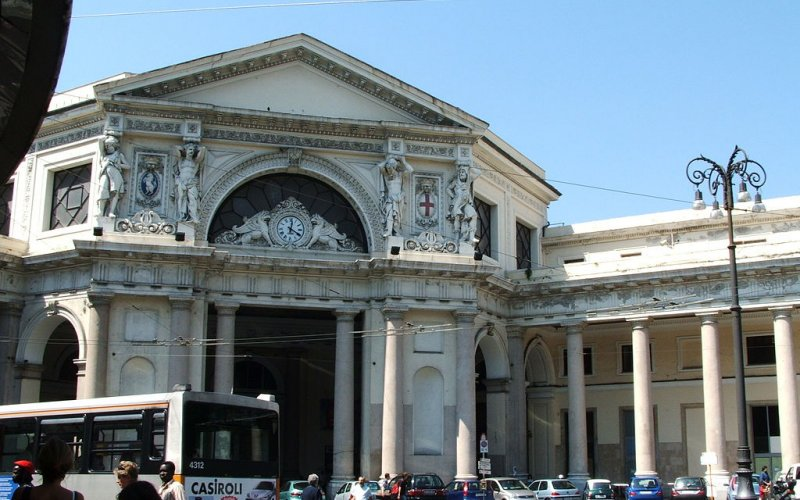 Trains to & from Genoa | Genoa architecture