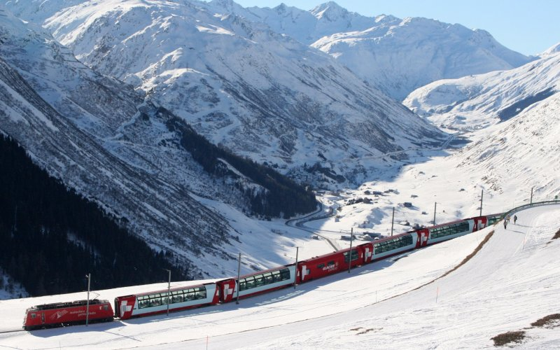Glacier Express - Switzerland scenic routes - Train tickets and rail passes - Winter