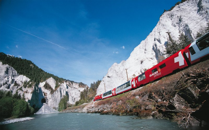 Trains in Switzerland - Glacier Express - Swiss Trains