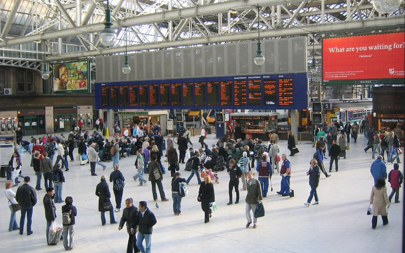 Trains to & from Glasgow | Arrive at Glasgow Central