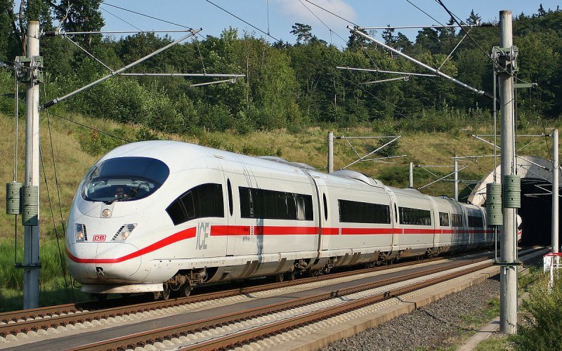 Trains to & from Hamburg | ICE on its way to Hamburg
