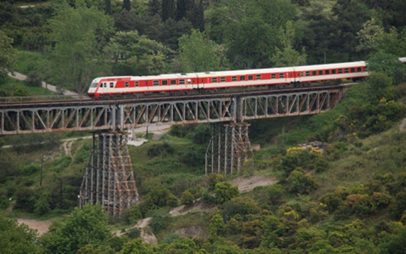 InterCity Greece | Trains in Greece | InterCity on a viaduct