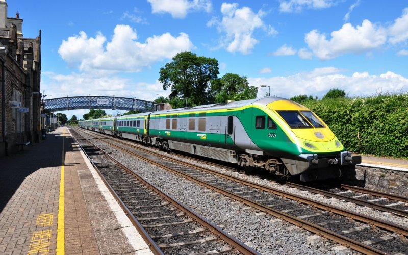 InterCity Ireland | Trains in Ireland | Train in the station in Ireland
