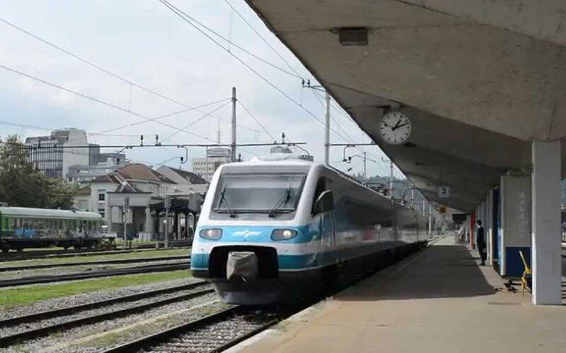 InterCity Slovenia | Trains in Slovenia | train ready for departure