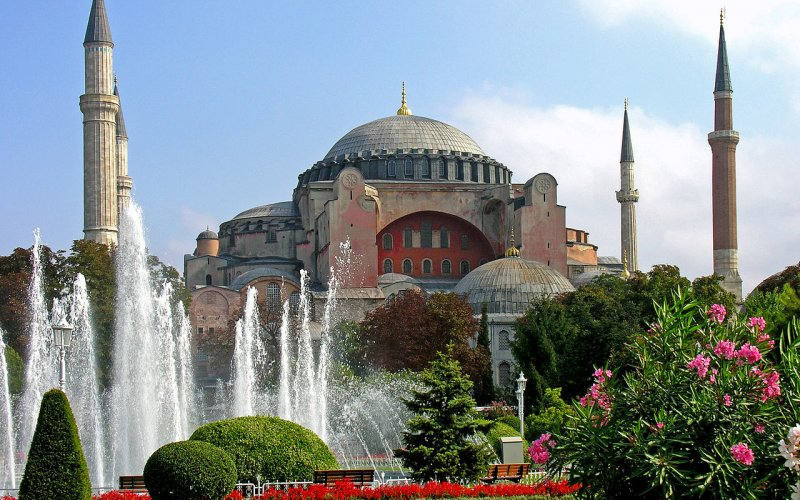 Trains to & from Istanbul | Istanbul architecture