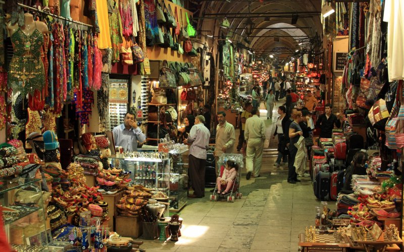 Trains to & from Istanbul | Bazar in Istanbul
