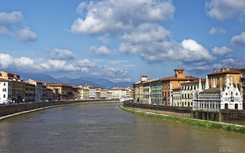 Trains to & from Pisa | River Arno