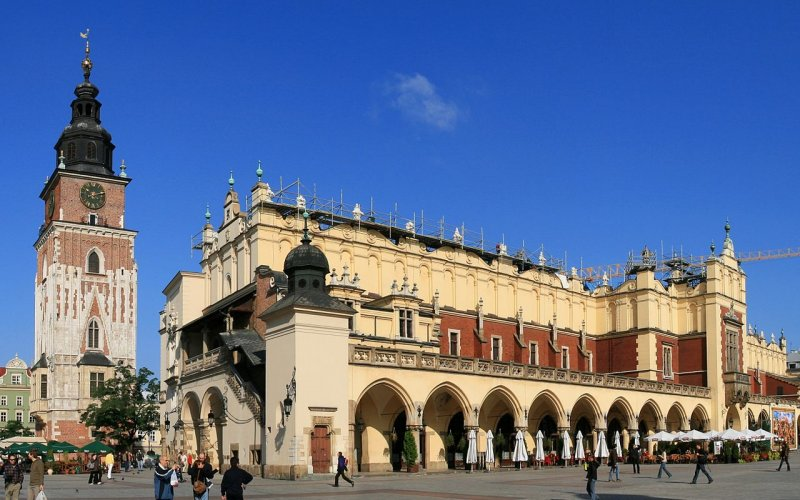 Trains to & from Krakow | Krakow city square