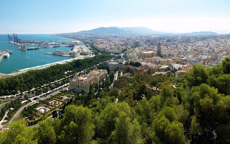 Trains to & from Malaga | Panorama over Malaga
