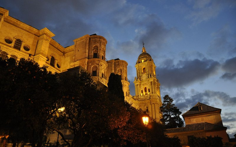 Trains to & from Malaga | Malaga by night