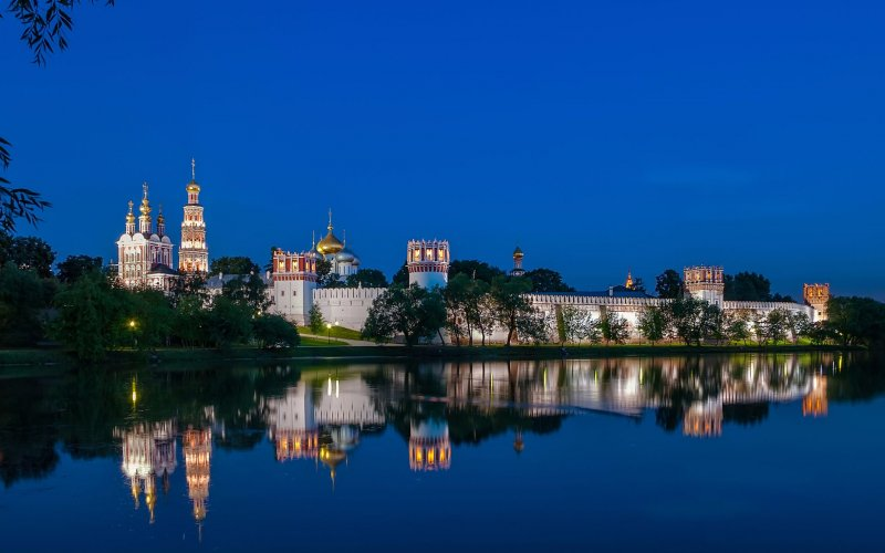 Trains to & from Moscow | Moscow river