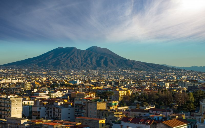 Trains to & from Naples | Panoramic view over Naples