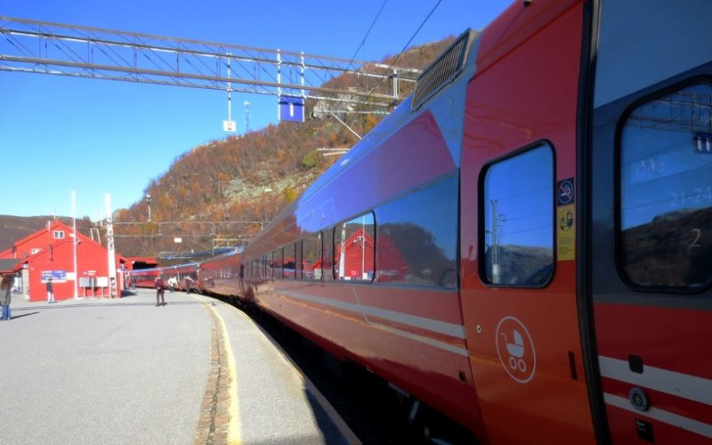 Train Reservations in Norway | All Reservations & Passes | Train ready for departure Regiontog NSB