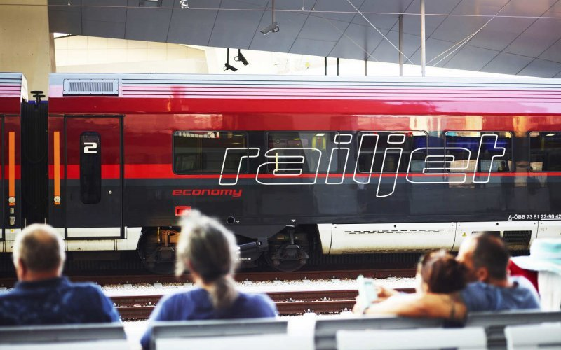 Trains Vienna to Prague - Railjet Vienna