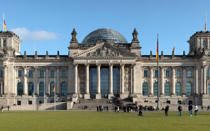 Trains to & from Berlin | Berliner Reichstag