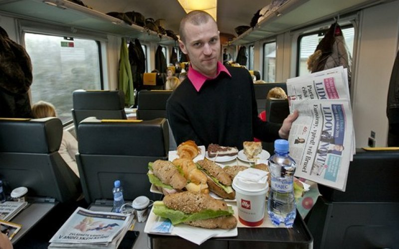 Trains Vienna to Prague - Regiojet Catering