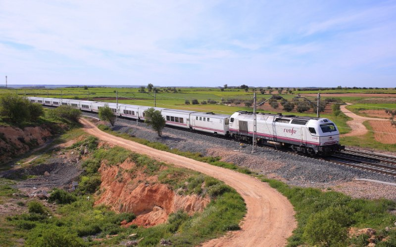 Altaria | Trains in Spain | Altaria on its way to Murcia and Cartagena