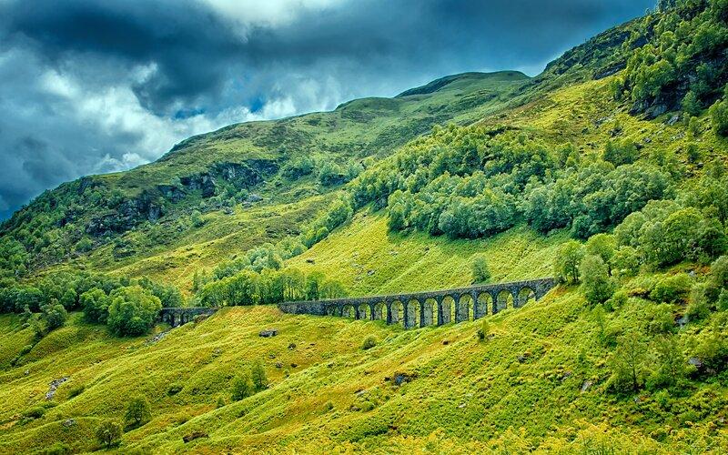Scotland by train | Viaduct train