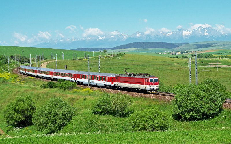 InterCity Slovakia   Trains in Slovakia   Train running through the country side