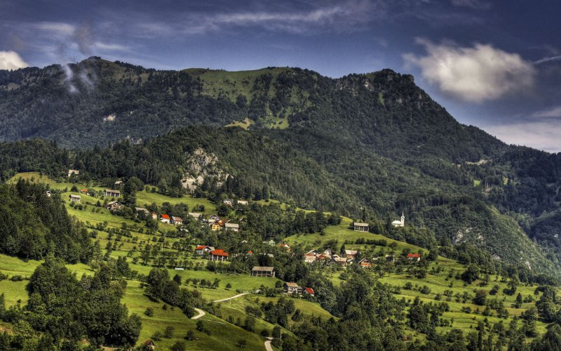 Visit Slovenia by train - All train tickets and rail passes