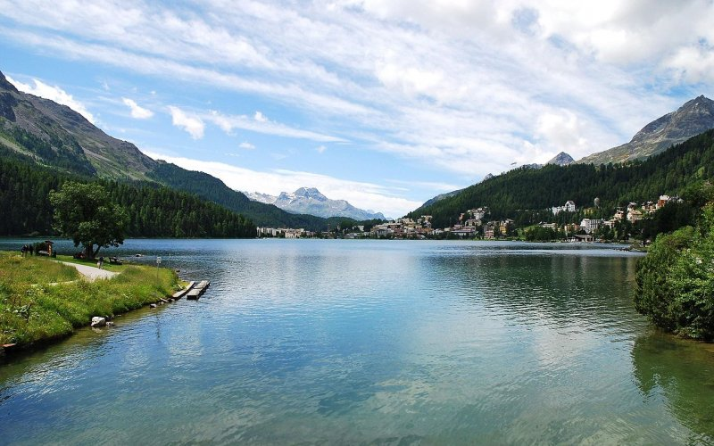 Trains to & from St Moritz | Lake