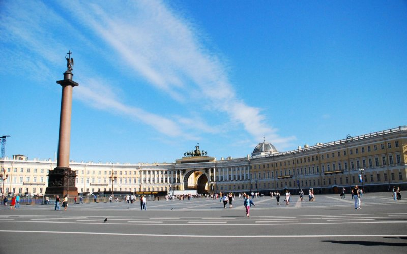Trains to & from St Petersburg | Visit the Hermitage