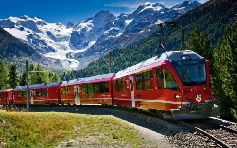Trains in Switzerland | Swiss Travel Pass | Train in the mountains