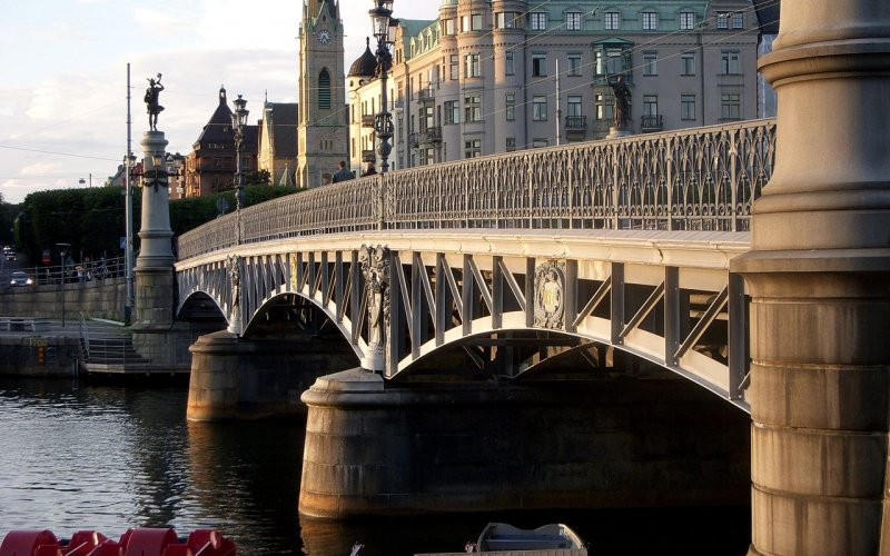 Trains to & from Stockholm | Stockholm bridge