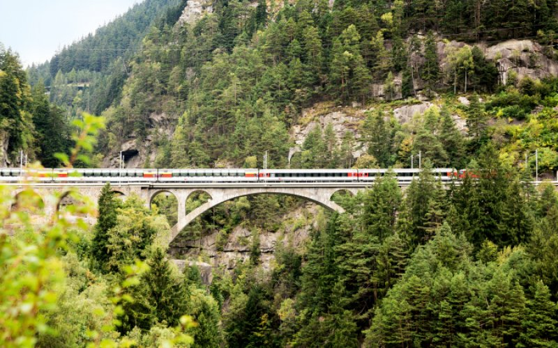 Gotthard Panorama Express - Panoramic Train Switzerland - Swiss Travel Pass