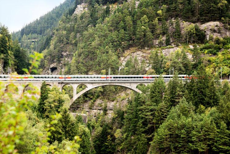 Gotthard Panorama Express - Panoramic Train Switzerland - Swiss Travel Pass