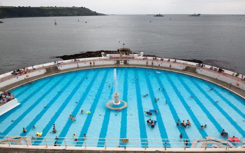 Trains to & from Plymouth | Swimming pool Plymouth