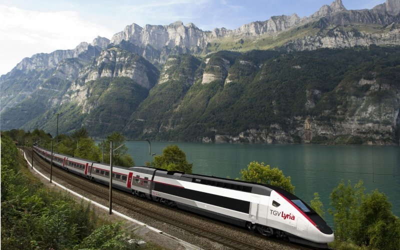 TGV Lyria | Trains in France | TGV Lyria lake in the Alps