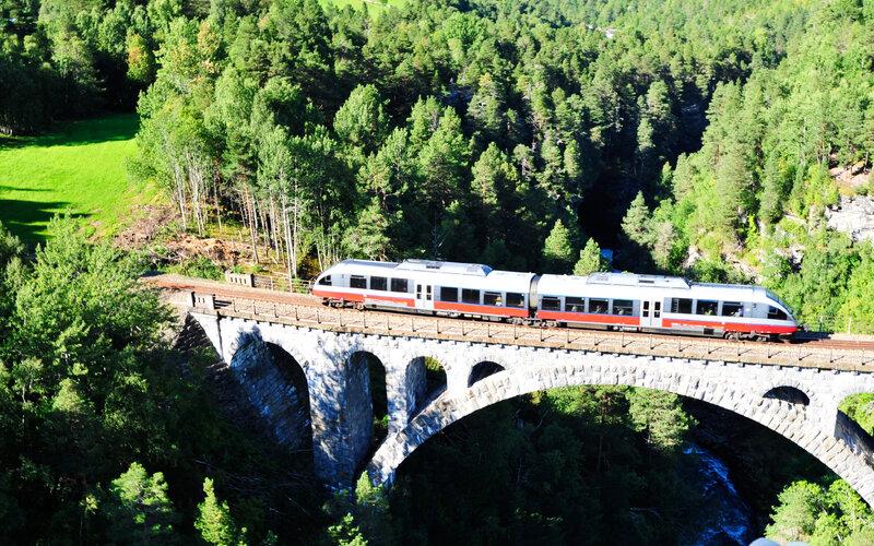 Trains Andalsnes to Dombas - Rauma Railway