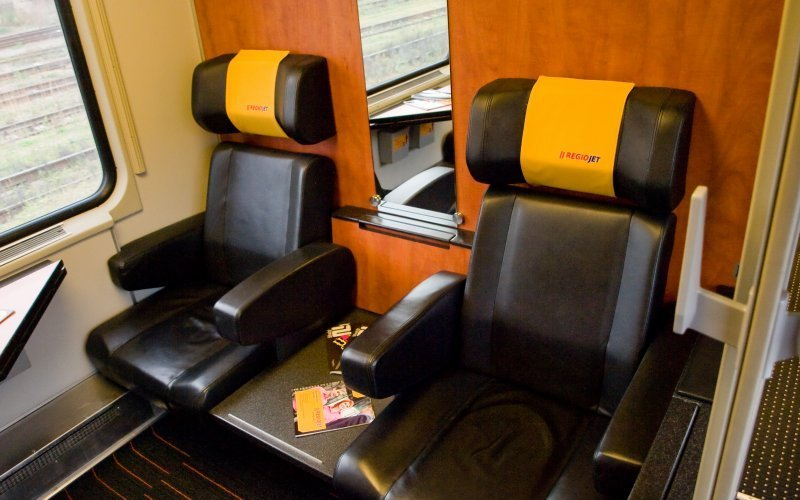 Trains Vienna to Prague - Regiojet Business Class