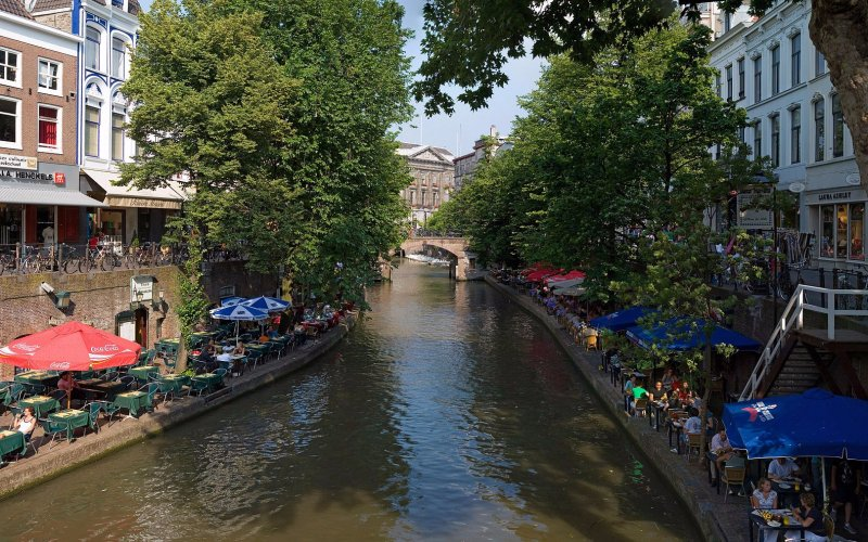 Trains to & from Utrecht - Canals