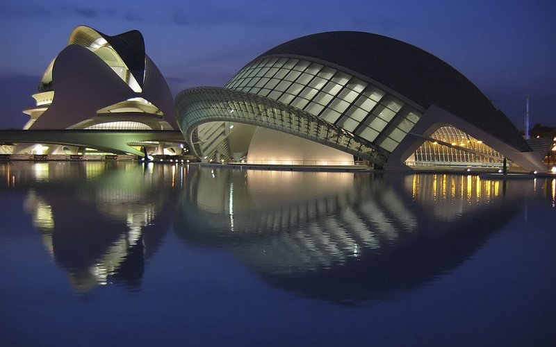 Visit Valencia by train - All train tickets and rail passes