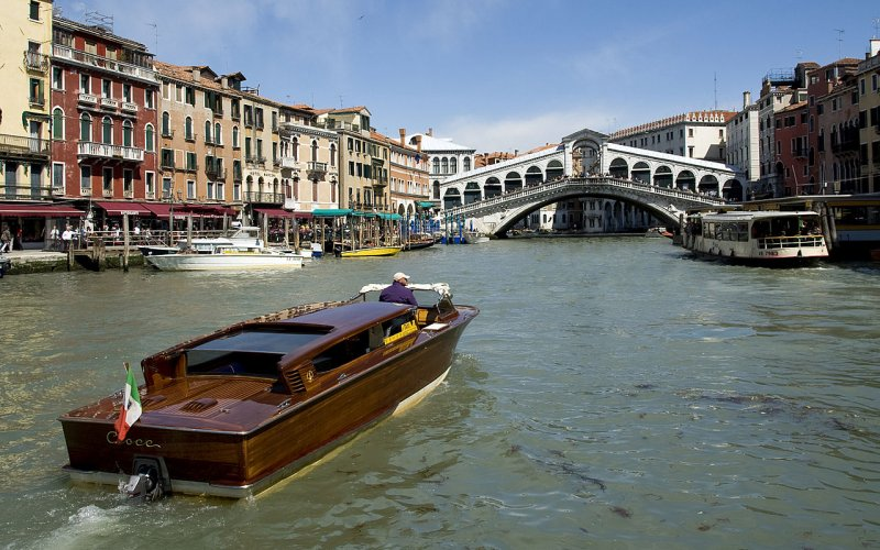 Trains to & from Venice | Venetian watertaxi