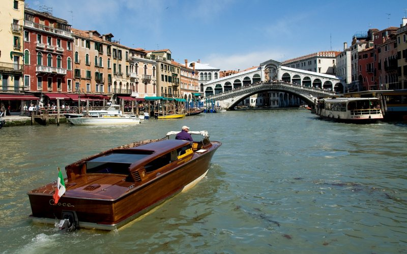 Visit Venice by train - All train tickets and rail passes