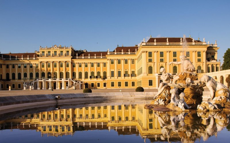 Visit Vienna by train - All train tickets and rail passes