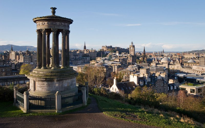 Cheap Trains to Edinburgh