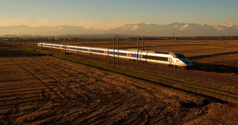TGV | Trains in France | Train en route through France