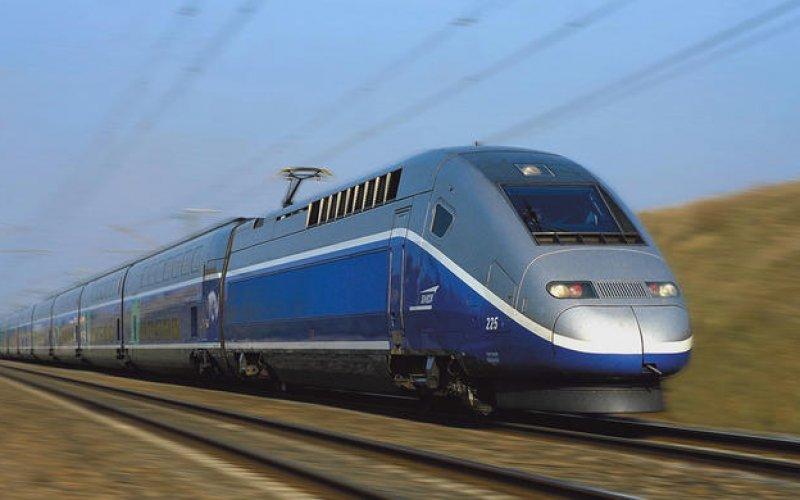 Trains Marseille to Paris - SNCF - TGV Exterior