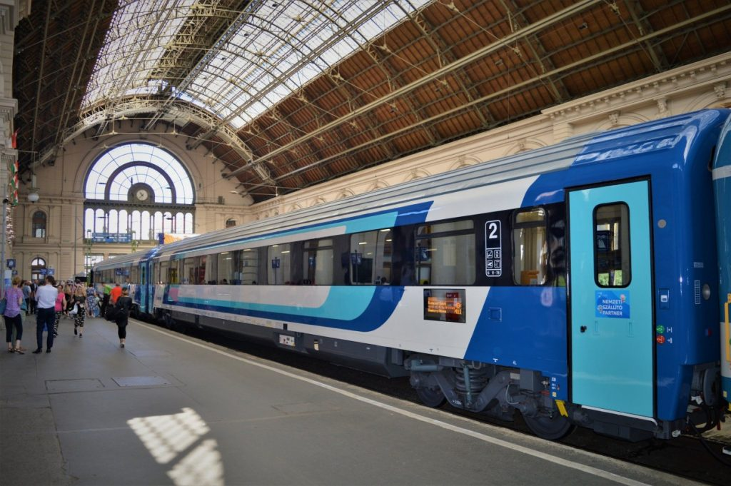 InterCity Hungary | Trains in Hungary | Train ready for departure from Budapest Keleti station in Hungary
